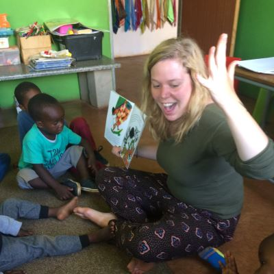 Katleen reading to the children
